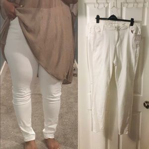 Old Navy White Skinny Jeans Tall